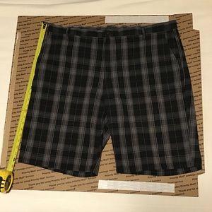 Dickies black plaid shorts sz 44